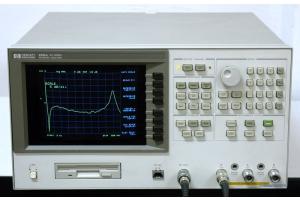 HP 8751A network analyzátor obr. 1