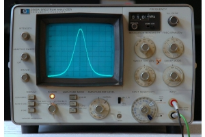 Hewlett Packard 3580A spektrální analyzátor