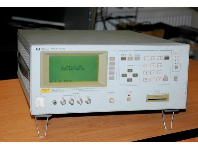 Hewlett Packard 4284A, precizní RLC měřič 20Hz-1MHz